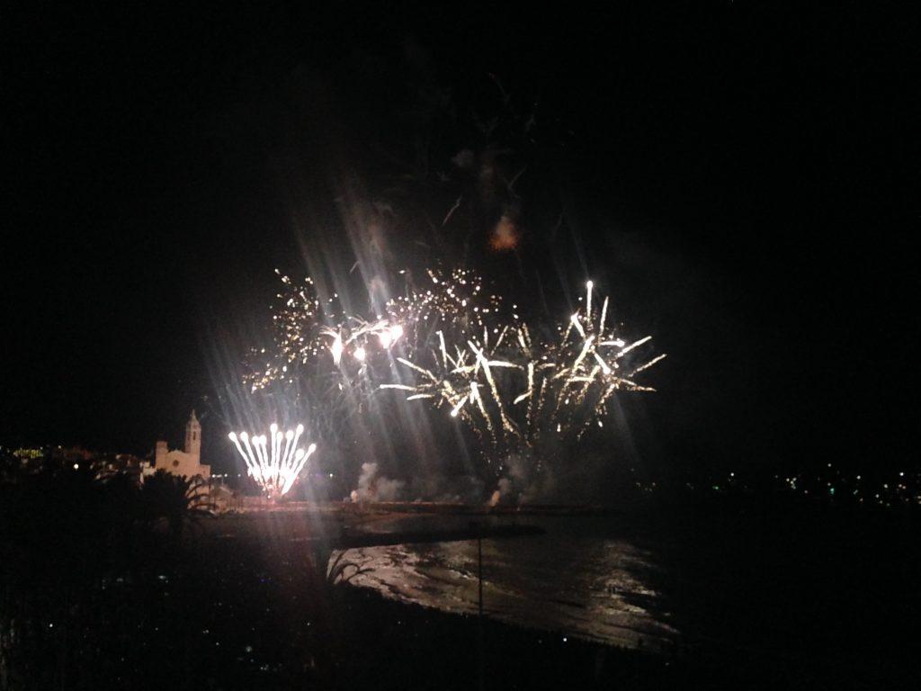 Feuerwerk des Festa Major in Sitges